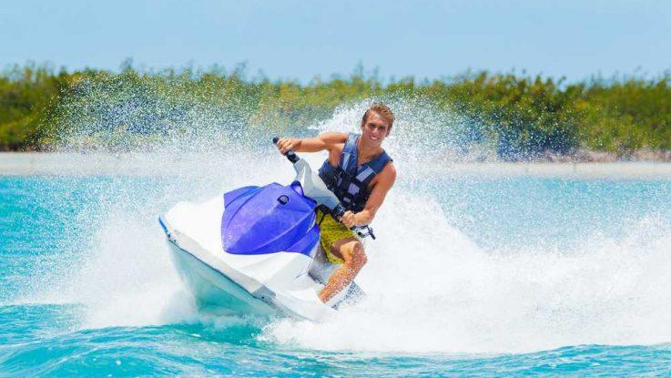 Riziko sjednání nevhodného cestovního pojištění pro vodní sporty